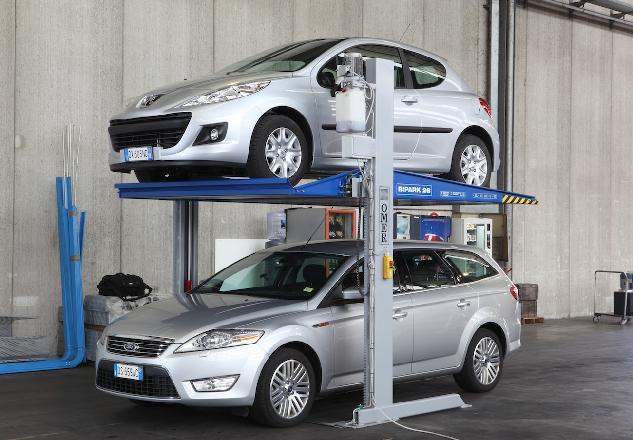 Bipark car parking stacker
